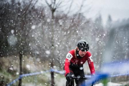 SOLOIST: Mie Bjørndal kjørte solo halve løpet.