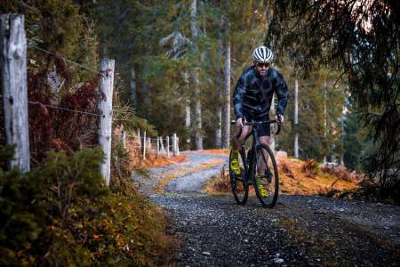 Sveitsisk sportsgrus? Vi sykler nå på så mye mer enn asfalt, at vi er nødt til å kategorisere hva som er hva, og hvilket dekk du bør bruke hvor.