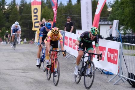 Torstein Træen (til venstre) måttet se seg slått av Andreas Staune-Mittet på andre etappe av Tour te Fjells 2019