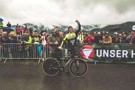 Christoph Strasser knuste gjeldende verdensrekord på 24-timers sykling utendørs