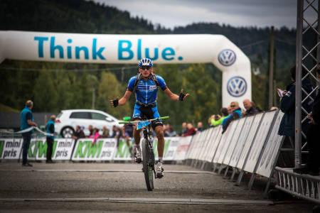 OPPGITT: Frederik Willmann vant mennenes eliteklasse i Birkebeinerrittet 2014, men slo oppgitt ut med hendene (foto: Snorre Veggan)