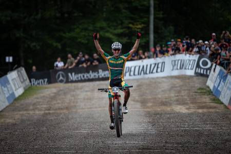 Alan Hatherly, som vant U23-VM i fjor, er verdens første elsykkel-verdensmester. Foto: UCI