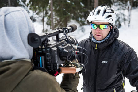 KAPTEIN KIPPERNES: Programleder Kristoffer Kippernes greier ut om temaet fætbikes. Bilde: Christian Nerdrum