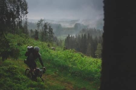 FINT: Å pakke sykkel og hengekøye er veldig bra i teorien, og ofte også i praksis.Foto: Kristoffer H. Kippernes