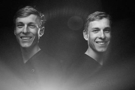 SAMMEN MOT TOPPEN: Tobias og Anders Johannessen håper å nå verdenstoppen i terrengsykling sammen. Foto: Kristoffer Kippernes
