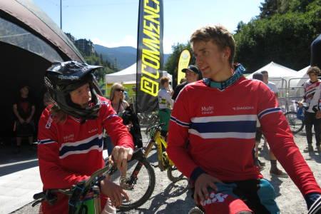 Frikk Hess-Bolstad (til venstre) og Simen Smestad kjørte inn til topp 15 i verdenscupfinalen i Andorra. Foto: Vera Leivsdottir
