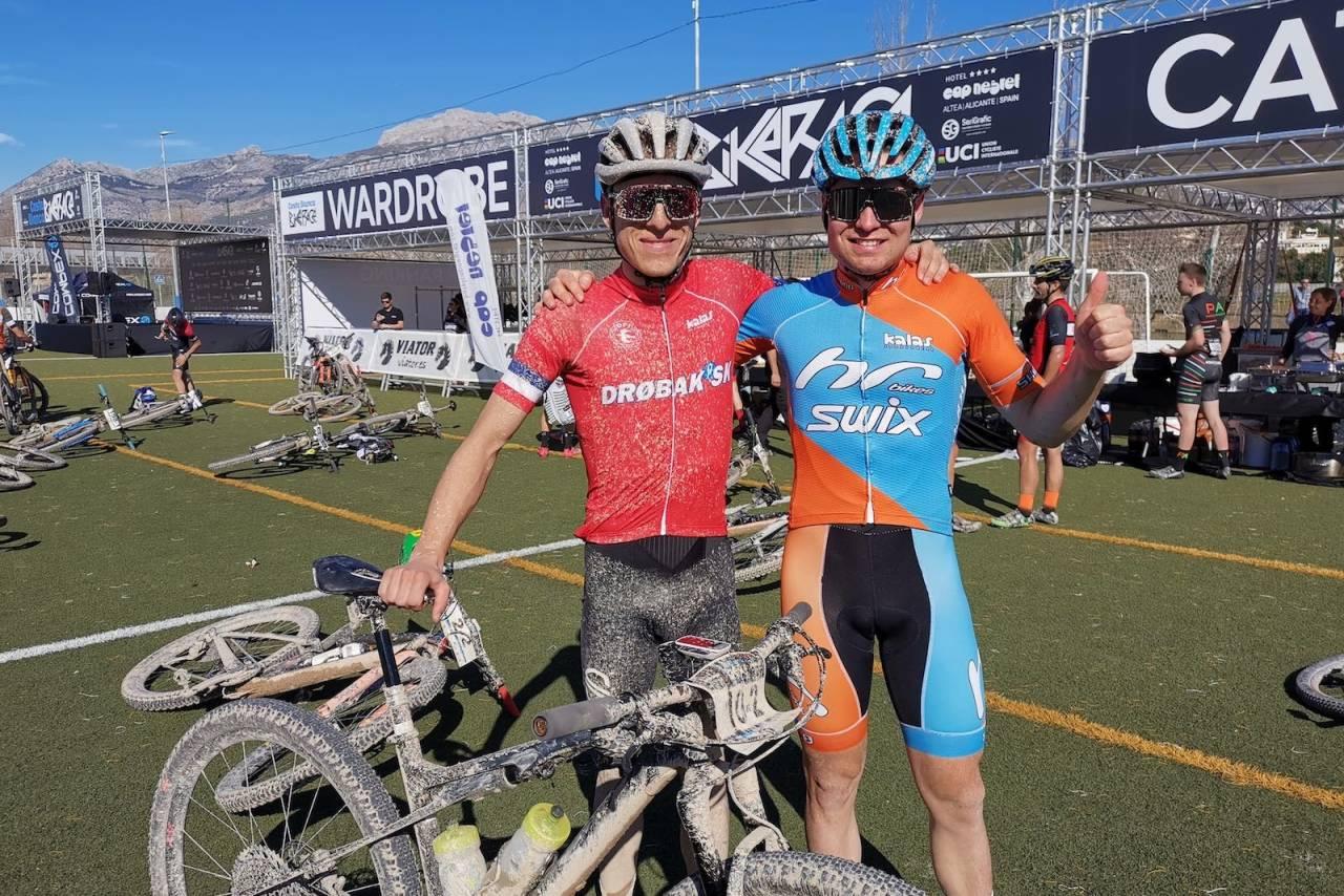 Anders Johannessen (til venstre) og Emil Hasund Eid sikret andreplassen etter spurtoppgjør om første etappe i Costa Blanca Bike Race. Foto: Eddy Knudsen Storsæter