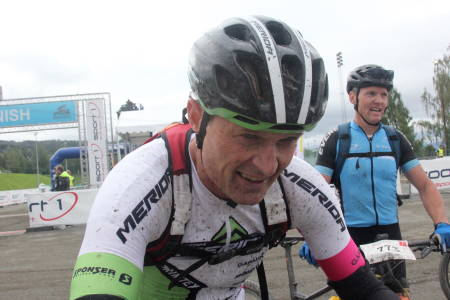 Jan Olav Beitmyren var helt på stålet på Skramstad, og måtte la Yngvar Alexander Hansen gå for å berge seieren i M50-54. Foto: Ingeborg Scheve