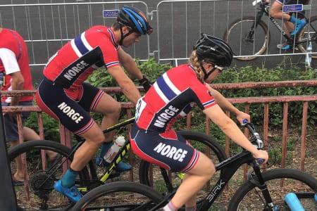 Torjus Bern Hansen og Ingrid Sofie Bøe Jacobsen var beste norske på sprint-EM i Brno i Tsjekkia fredag kveld. Foto: Gjertrud Bø
