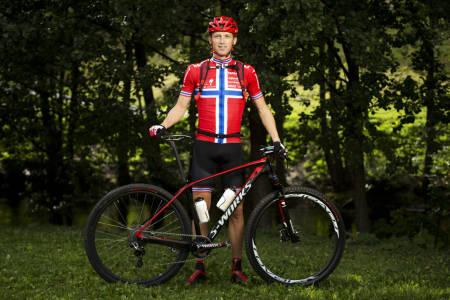 KLAR FOR KAMP: Ola Kjøren vil nok bli litt ekstra synlig i startfeltet på Rena, med sin rykende ferske Norgesmestertrøye. (foto: Kristoffer H. Kippernes)