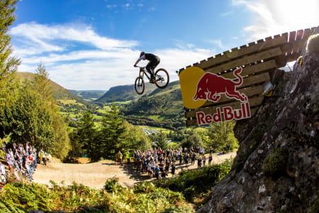 Hensikten med Red Bull Hardline in Wales er å flytte grenser. Slik at det vært siden starten, og årets utgave er ikke noe unntak. Foto: Red Bull Content Pool