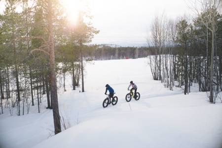 DIGG PÅ SNØ: Vintersykling kan være superflott og kjempegøy. Foto: Sjur Melsås