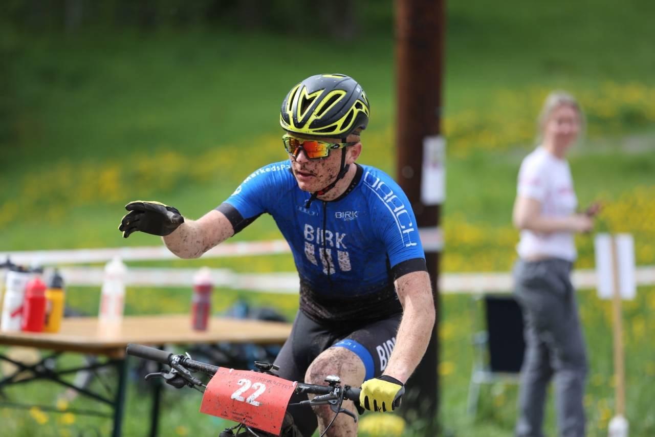 Audun Øverbye Hanssen debuterte i Offroad Finnmark 150, og vant med knusende margin. Foto: Marius Bache Wold