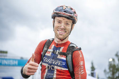 Ole Hem debuterte til 10.plass i maraton-VM i fjor, og har VM som hovedmål for årets sesong, nå som proffrytter for det italienske laget Wilier Force 7C. Men mesterskapet sykler han i landslagsdrakta. Foto: Pål Westgaard