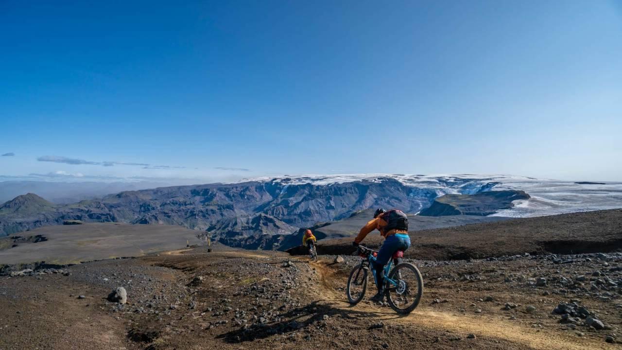 Høyfjellsfølelse i lavt terreng: Selv om fjellene ikke er spesielt høye følte vi tidvis at vi befant oss i Himalaya. Foto Jonas Rismyhr