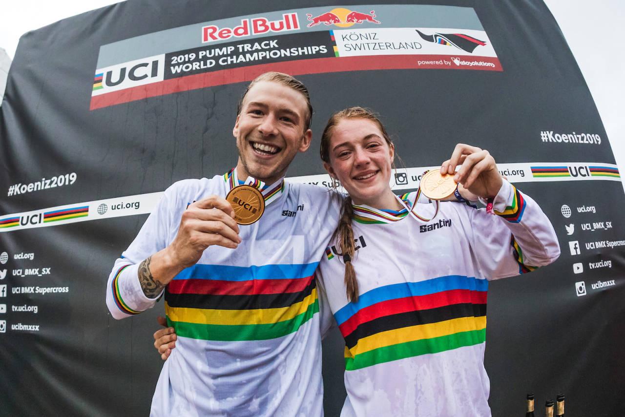 Tommy Zula og Payton Ridenour fra USA vant VM-finalen i pumptrack og tidenes første regnbuetrøyer i grenen etter mesterskapet i Bern i Sveits på lørdag. Foto: Red Bull Content Pool