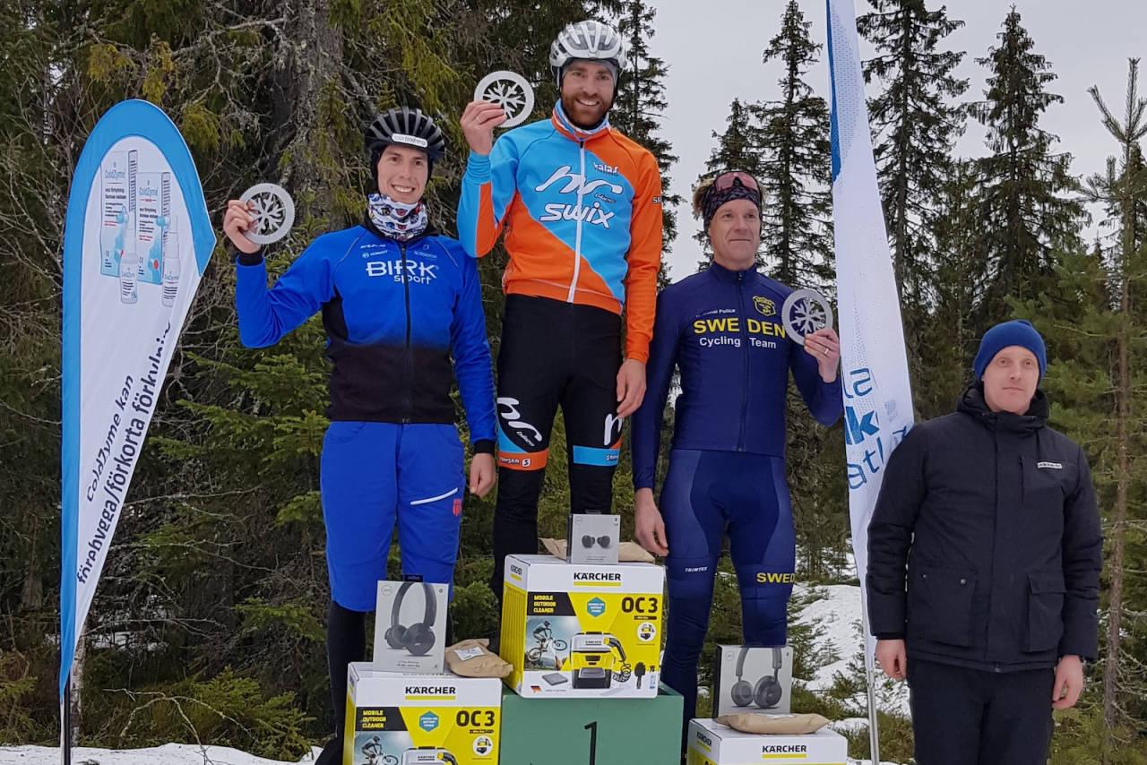 Vidar Mehl vant Mattila Fatbike Marathon i Sverige foran Odd Erlend Hansen Berg, mens Marcus Claudelin ble nummer tre. Foto: Privat