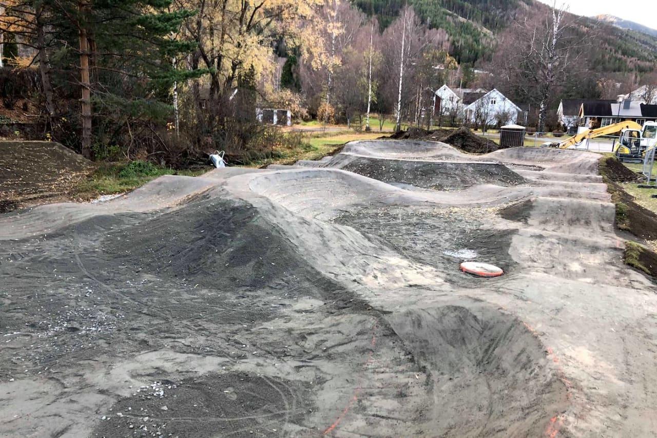 Sent men godt: Pumptracken i Nesbyen er endelig ferdig, nesten et år etter planen. Foto: Ove Grøndal