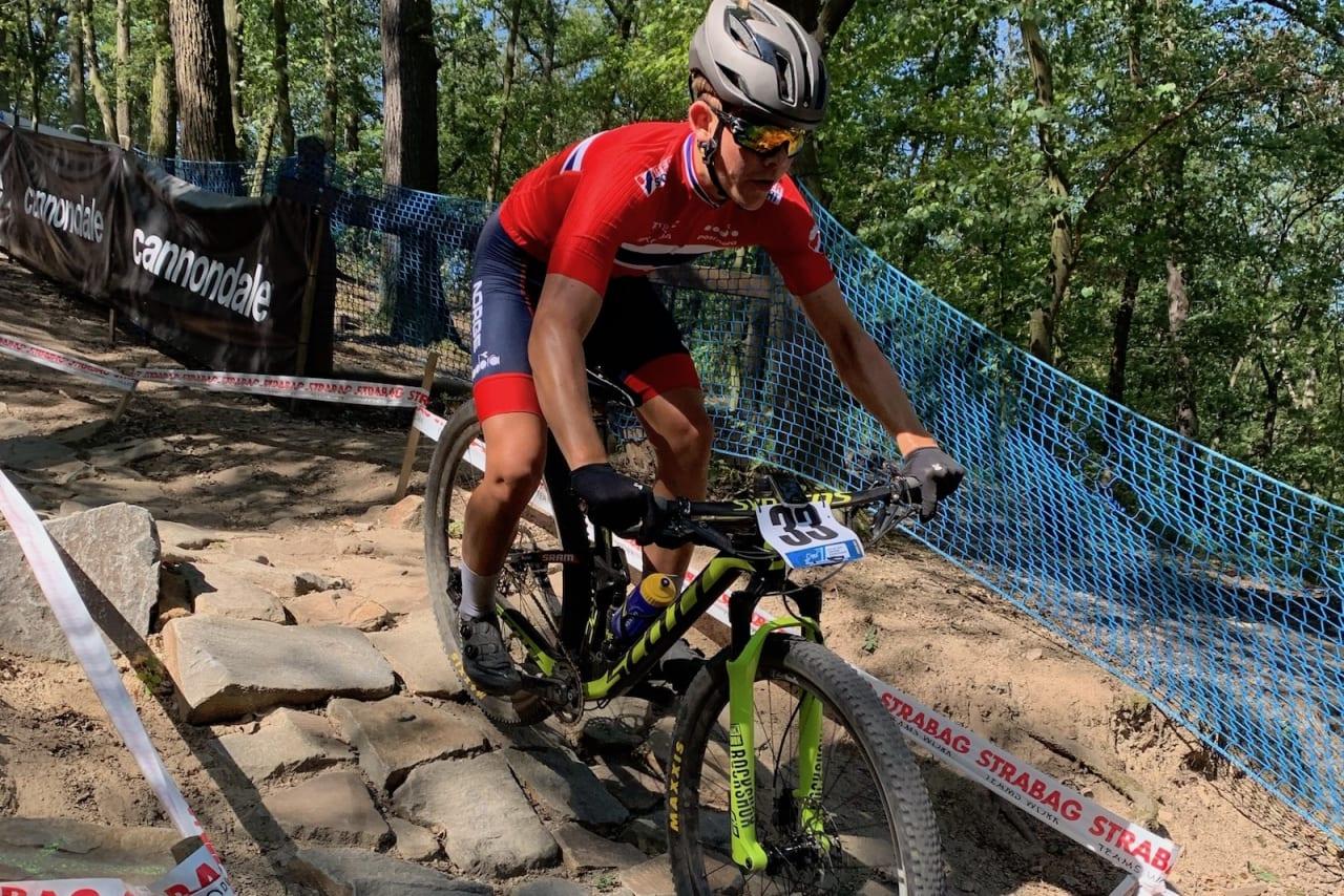 Ole Sigurd Rekdahl under gjennomkjøring av EM-løypa i Brno i Tsjekkia. Juniortalentet sykler sitt ritt kommende lørdag, mens U23 og elite sykler på søndag. Foto: Eddy Knudsen Storsæter
