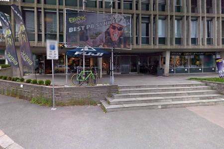 REDDET: Det ligger an til videre drift for Birk Sport. Foto: Google Maps