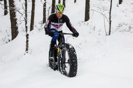 BELTEVOGNEN: Det finnes ingen annen sykkel med større dekk enn denne prototype-sykkelen til Espen Wethe. Om det funker? Jepp. Bilde: Christian Nerdrum
