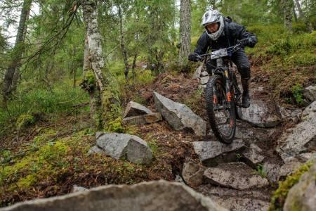 Simen Kalnæs Danielsen tok femteplass i masterklassen under Hakadal Enduro. Foto: Jon Borgersen