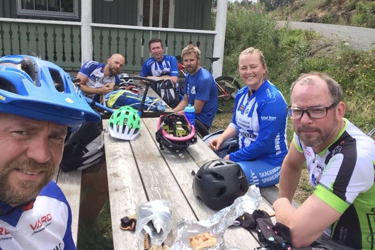Denne gjengen rittdebuterer med HalvHelten på lørdag, og sykler Birkebeinerrittet om to uker. Det var utenkelig i mai. Foto: Kjetil Haugersveen