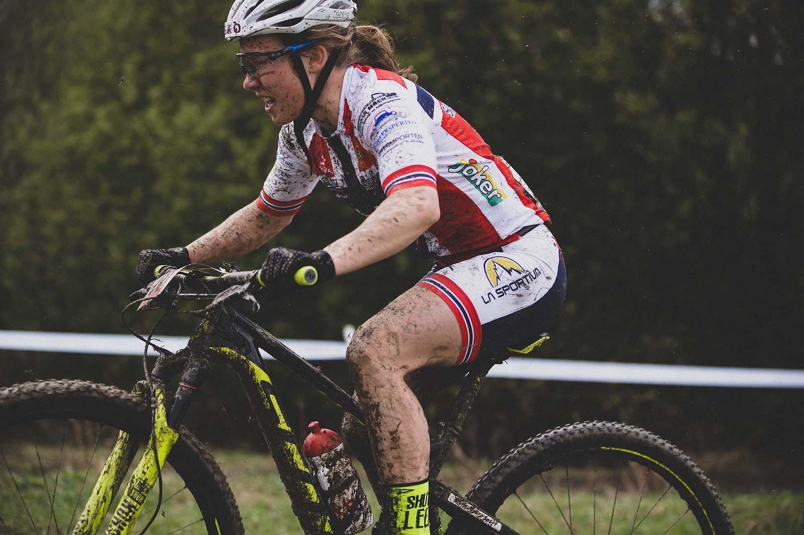 Helene Fossesholm vant UCI Junior Series i Nove Mesto i Tsjekkia. Foto: Kristoffer Kippernes
