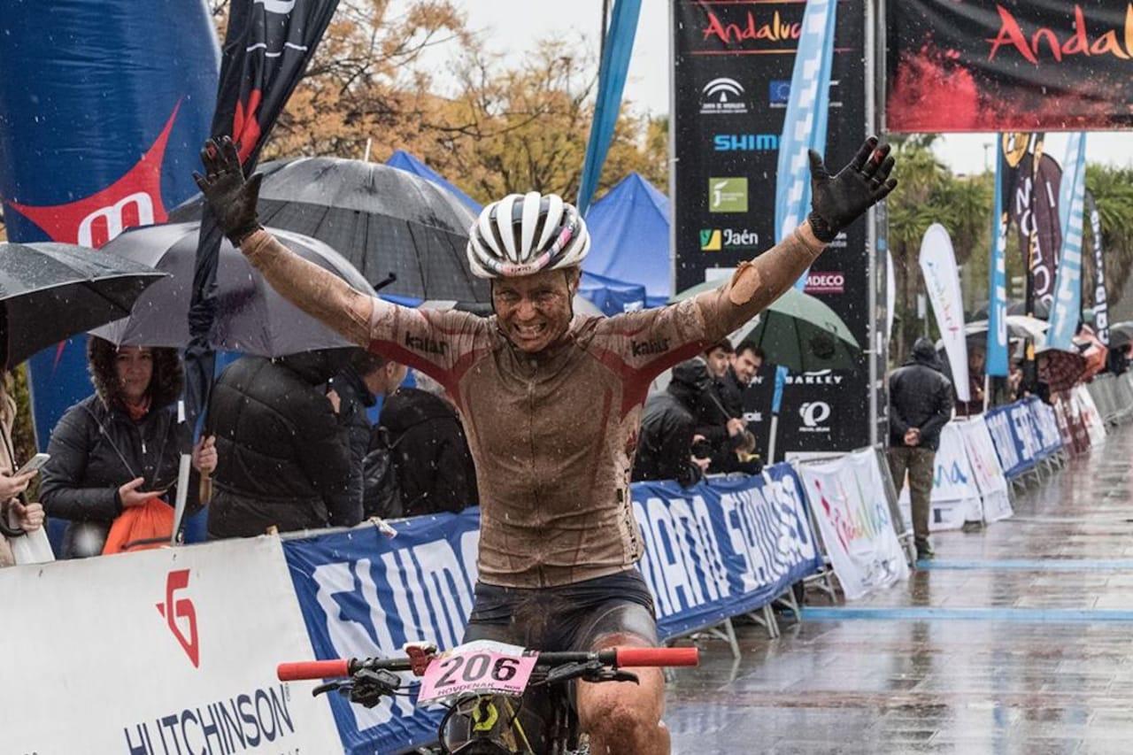 Hildegunn Gjertrud Hovdenak vant det seks dager lange etapperittet Andalucia Bike Race i Spania i fjor, men forventer hardere konkurranse i år. Foto: Arrangøren