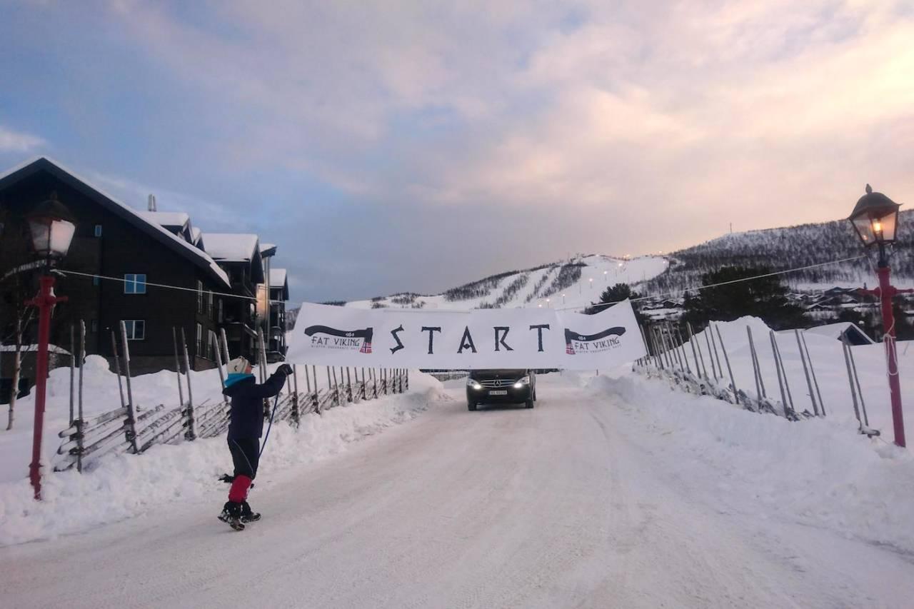 Stille før stormen: Det rigges til andre utgave av fatbikerittet Fat Viking på Geilo. Søndag er det meldt drøye forhold i fjellet. Foto: Nina Gässler