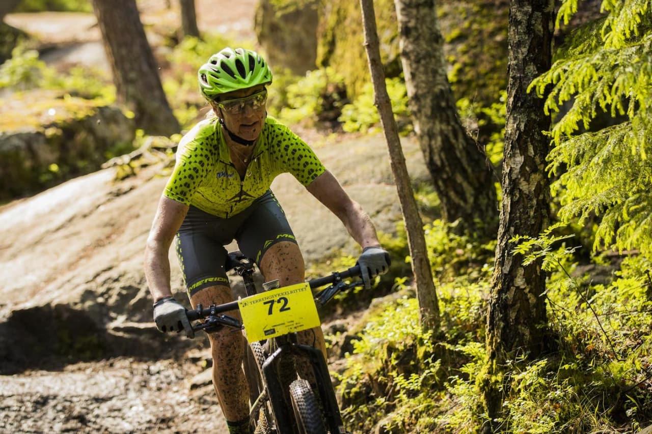 Gunn-Rita Dahle Flesjå sykler både Offroad Finnmark og Skaidi Xtreme i år. Her fra Terrengsykkelrittet 2017, der hun vant med overlegen margin. Foto: Snorre Veggen