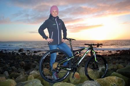 Gunn-Rita Dahle Flesjå fortsetter sykkelsatsingen og håper i år også å bli tatt ut til landeveis-VM i Bergen. Foto: Kenneth Flesjå