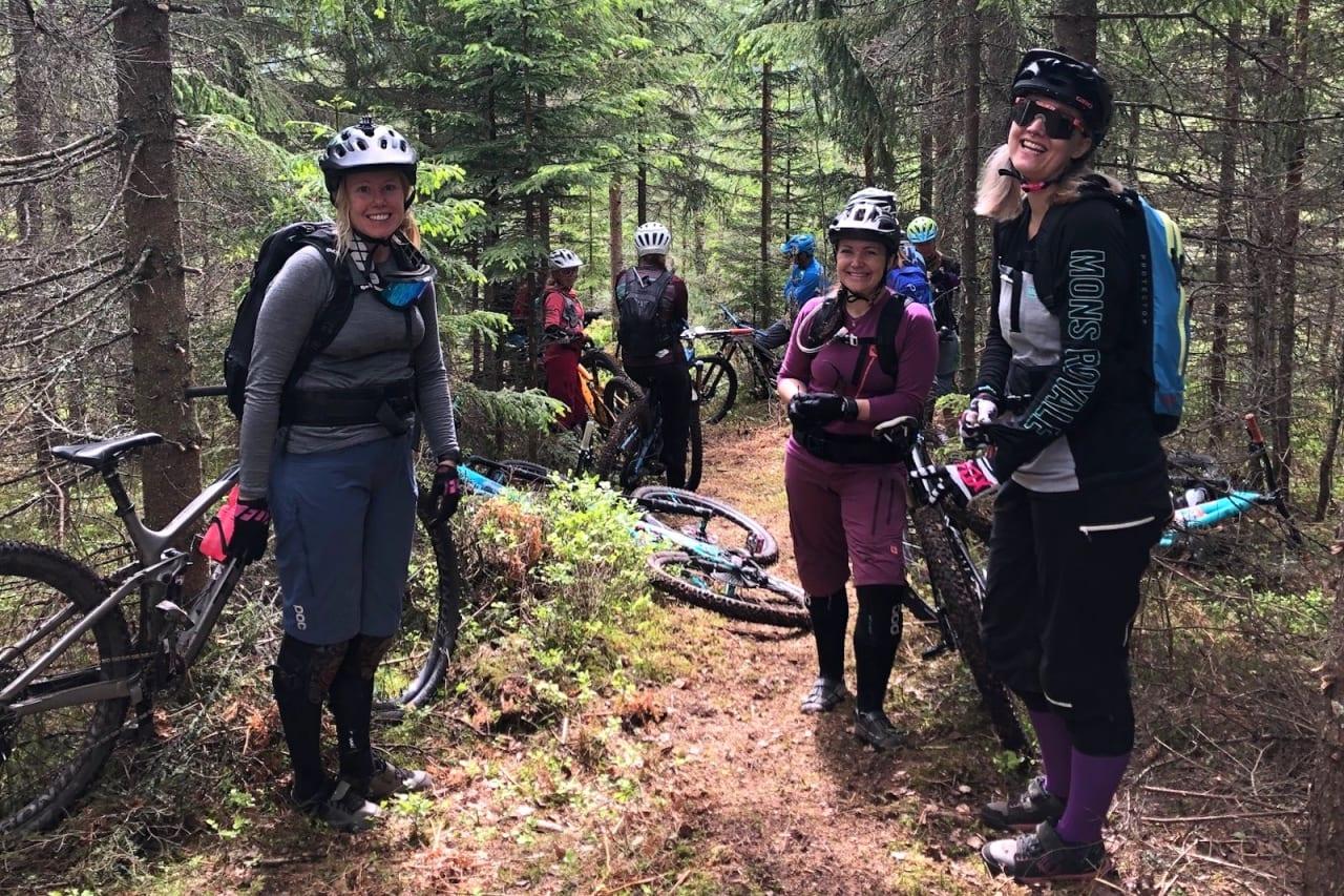 Jo flere, jo bedre: Drammen Enduro lanserte et jenteprosjekt med håp om å få 30 medlemmer til gruppa. Nå er de over 120. Foto: Linda Lønmo