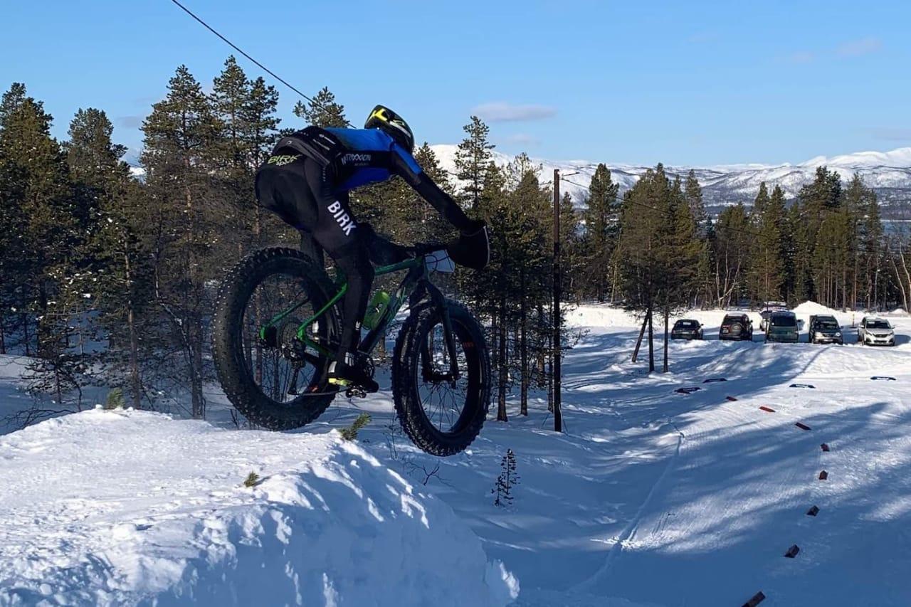 Audun Øverbye Hanssen debuterte til seier i Skogen Fatbike Foto: Nerskogen IL Sykkel