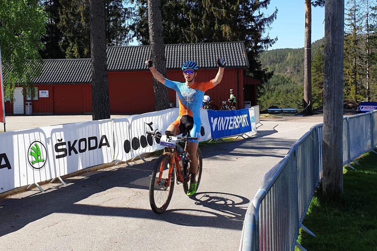 Fredrik Haraldseth syklet alene den siste halvtimen av rittet. Foto: Silje Johansson