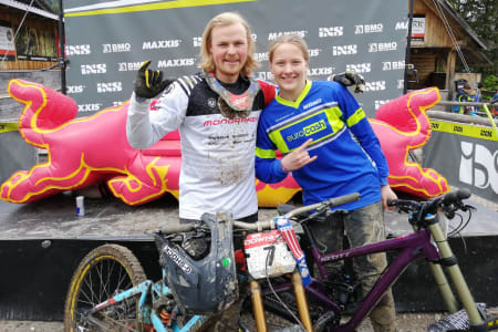Brage Vestavik ble nummer tre i eliteklassen, mens Kine Haugom vant finalen i jenter U17 i den andre runden av den europeiske utforcupen IXS i Krankja Gora. Foto: Stine Haugom