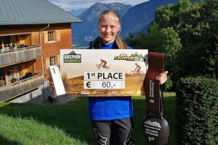 Kine Haugom vant siste runde i IXS Europacupen søndag, og tok med det også sammenlagtseieren i cupen. Foto: Stine Haugom