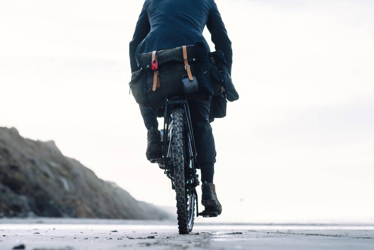 Irritasjon: Er du av typen som lar deg irritere av folk som raser forbi med motorhjelp? Foto: Mikkel Soya Bølstad.