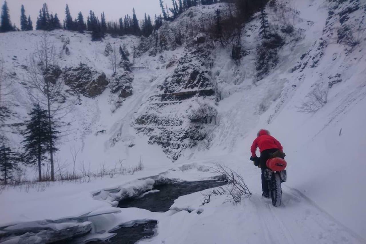 Distansen var bare en av utfordringene for Nina Gässler under Iditarod Trail Invitational: åpne elver skulle krysses, bratt og teknisk terreng forseres, i vind og snø og temperaturer ned mot 30 minus. Foto: Privat