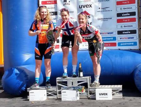 Marit Sveen tok NM-gullet i rundbane foran Elisabeth Sveum (til venstre) og Sylvi Sommer. Foto: David Haugen