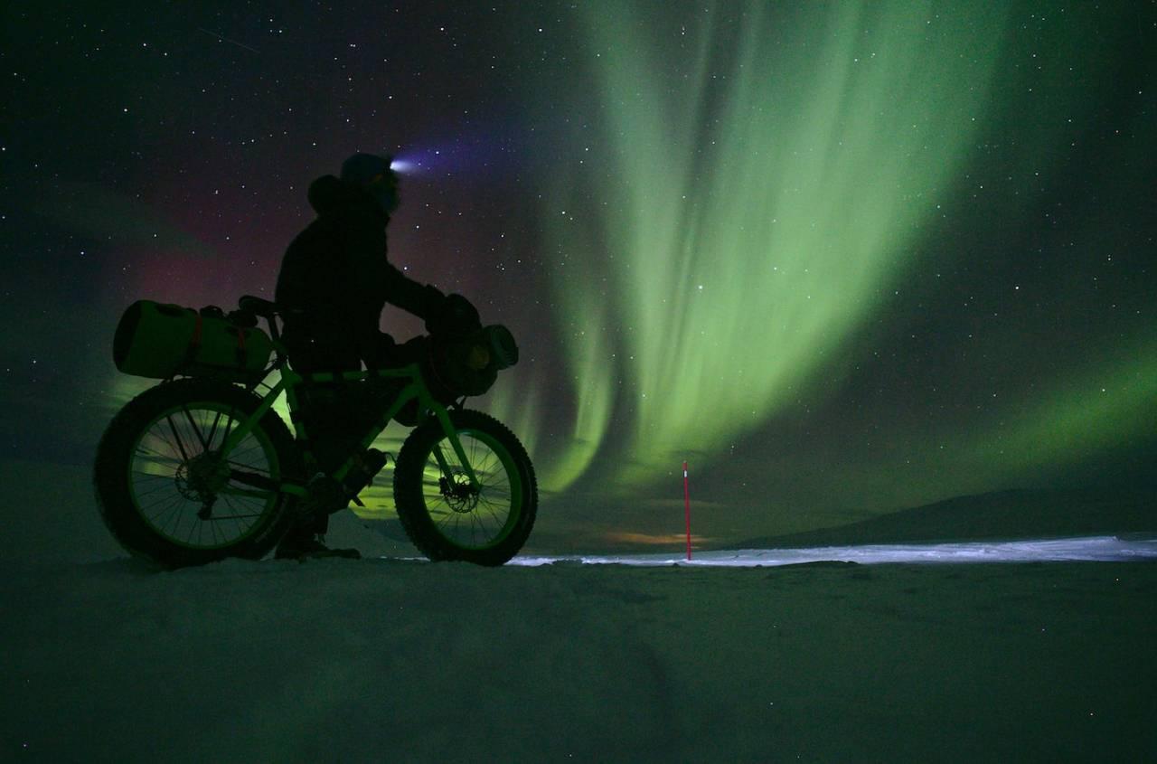 Mikhail Itkin fikk oppleve Finnmarksvidda på sitt flotteste i løpet av de åtte nettene han syklet i Finnmarksløpsløypa. Foto: Privat