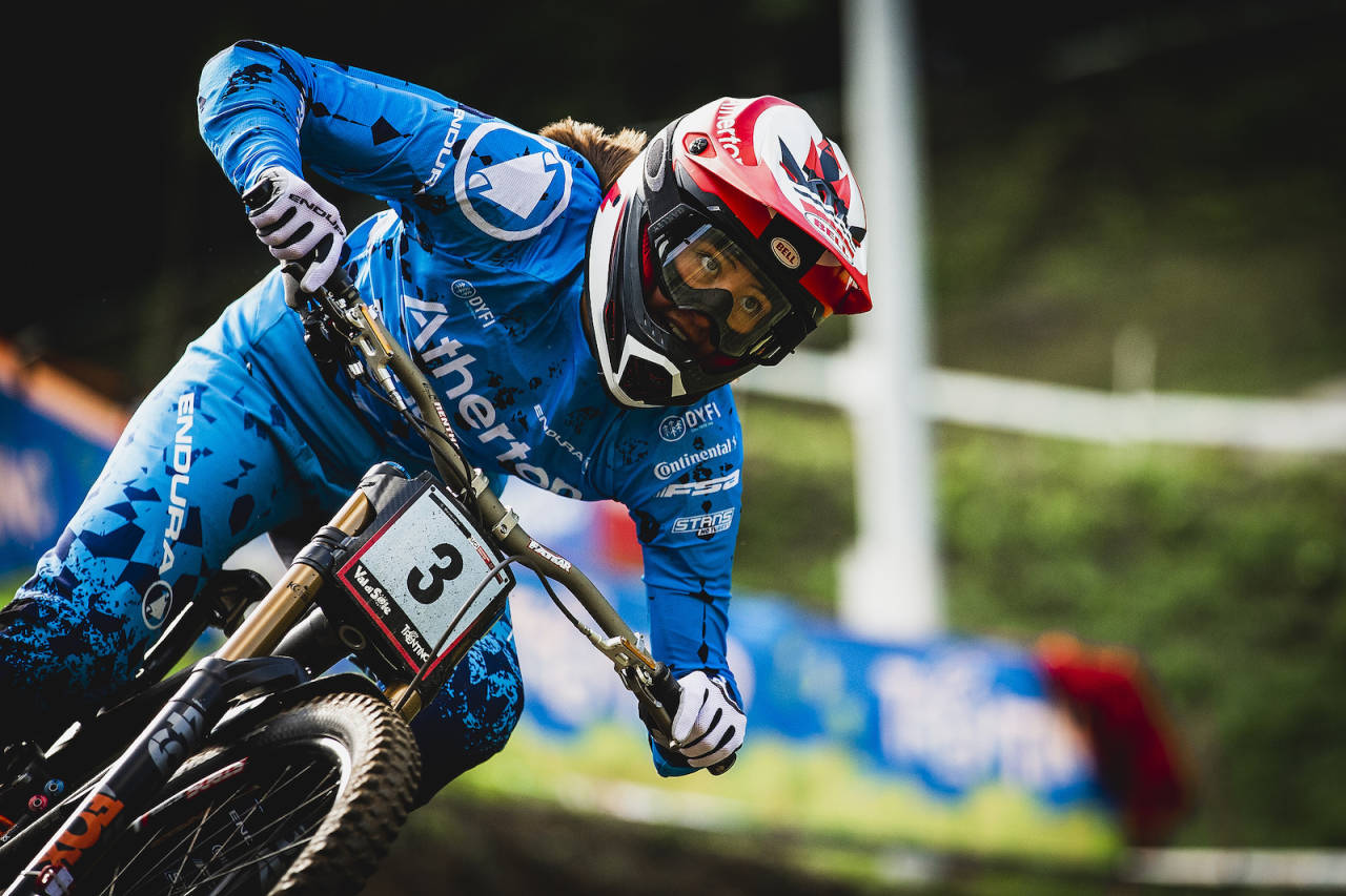 Mille Johnset (18) tok sin første verdenscupseier under helgas runde i Val di Sole i Italia. Foto: Sven Martin