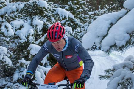 Kong vinter kom endelig til Modum denne uka, og løypemannskapet sørget for å gjøre snøfallet om til perfekte tjukksykkelløyper. Foto: Per-Eivind Syvertsen
