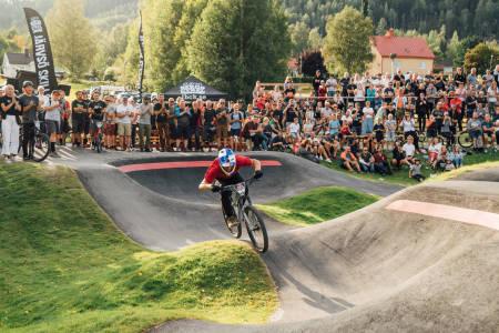 Martin Söderström under pumptrack-VM kvalifiseringsrunden i Järvsjö i Sverige i august. Foto: Emrik Jansson/Red Bull Content Pool
