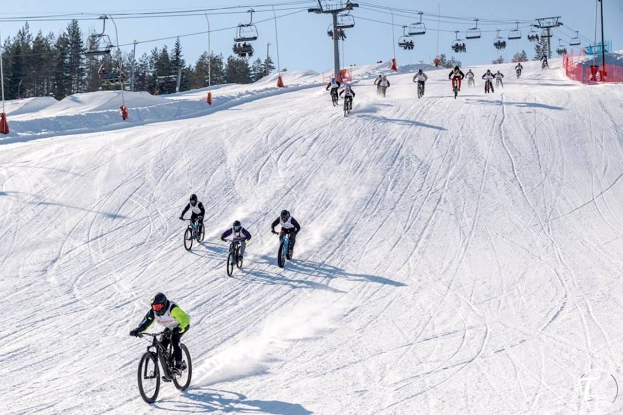 Sykkelutfor chinese downhill på Snowstock i Kongsberg skisenter