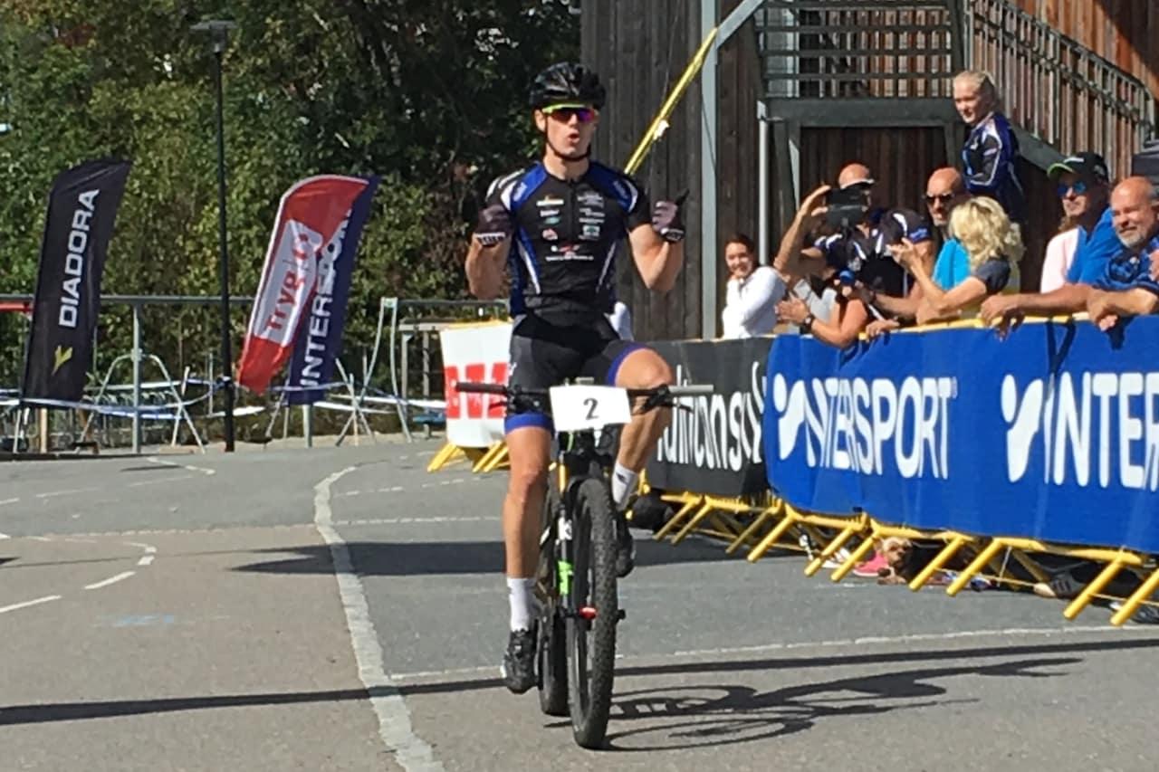 Martin Siggerud tok seieren på hjemmebane etter omfattende taktikkeri. Foto: Lena Øverbye
