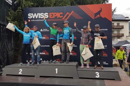 Synne Steinsland og Anders Seim kom på tredjeplass på dronningetappen i det fem dager lange etapperittet i Sveits. Foto: Swiss Epic