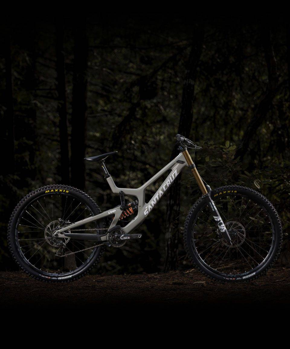 TO VERSJONER: Santa Cruz V10 lanseres nå for markedet. En versjon med 29er-hjul og en med 27,5-er hjul.