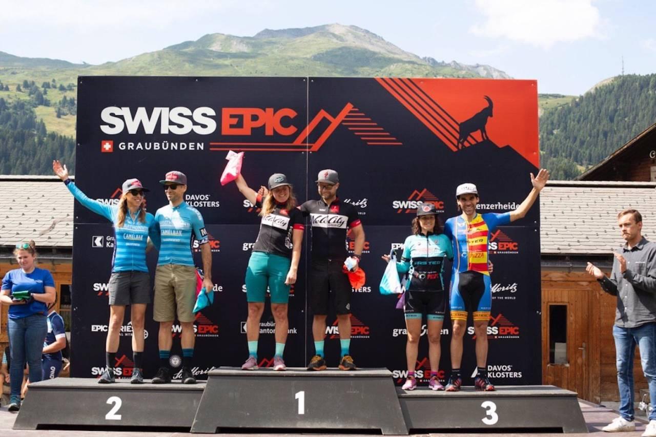 Synne Steinsland og Anders Seim i Team VeloCity vant fjerde og nest siste etappe av Swiss Epic. Foto: Swiss Epic