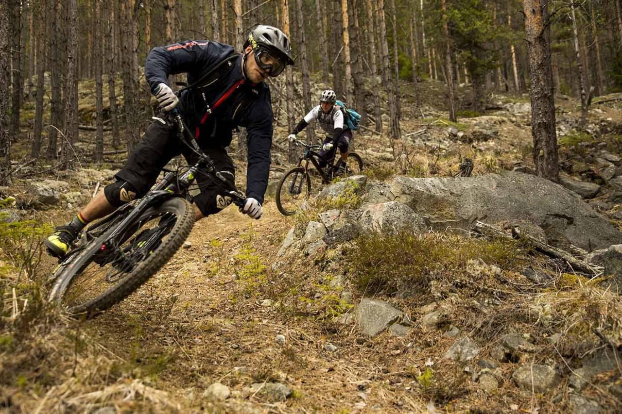 Nesbyen har fått en posisjon som ett av Norges beste sykkeldestinasjoner. Her Bård Sturla Stokke på vei nedover under Nesbyen Trail Camp 2015. Foto: Thomas B. Svendsen